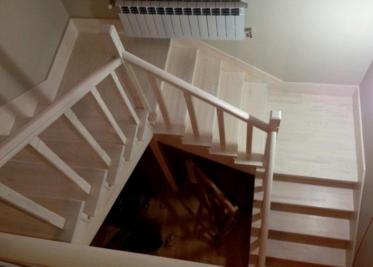 Трех маршевая лестница